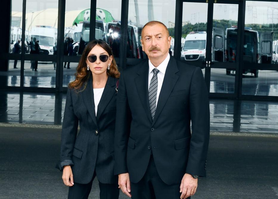Prezident İlham Əliyev və birinci xanım Mehriban Əliyeva Rusiya Patriarxına başsağlığı verib