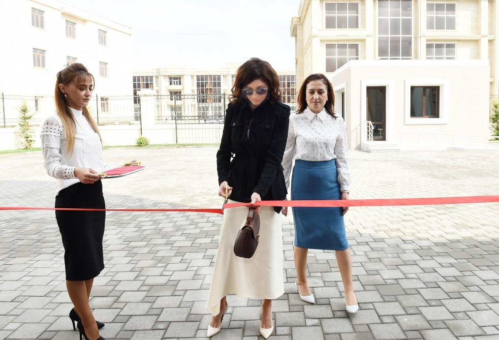 Mehriban Əliyeva xüsusi təhsil məktəbinin yeni binasının açılışında iştirak edib